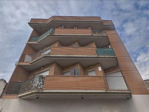 Edifici d'ús mixt A Venda