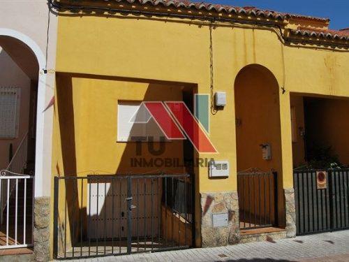 Casa / Chalet adosado En Venta