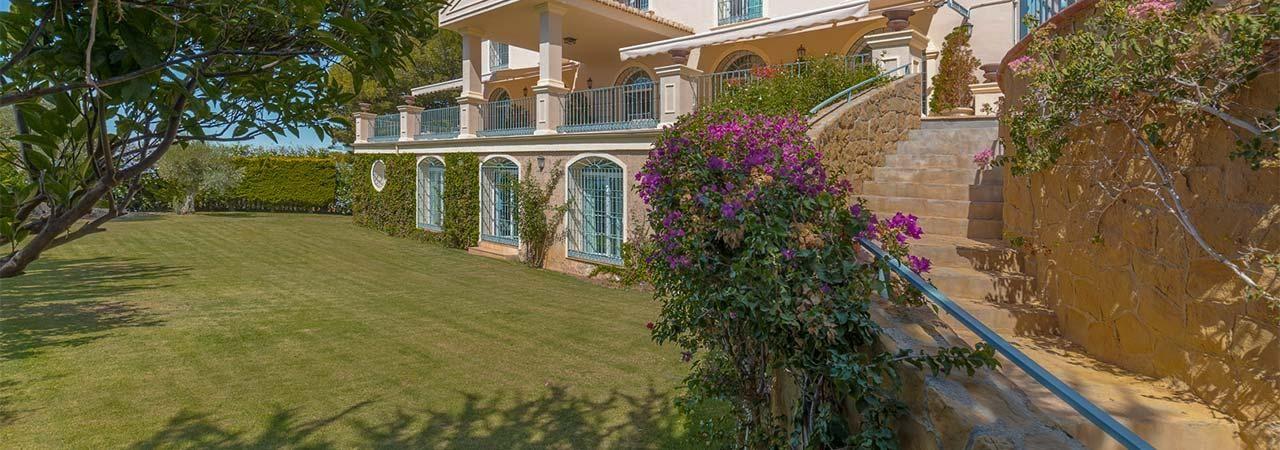 Casa independiente en barrio Pinares de San Antón
