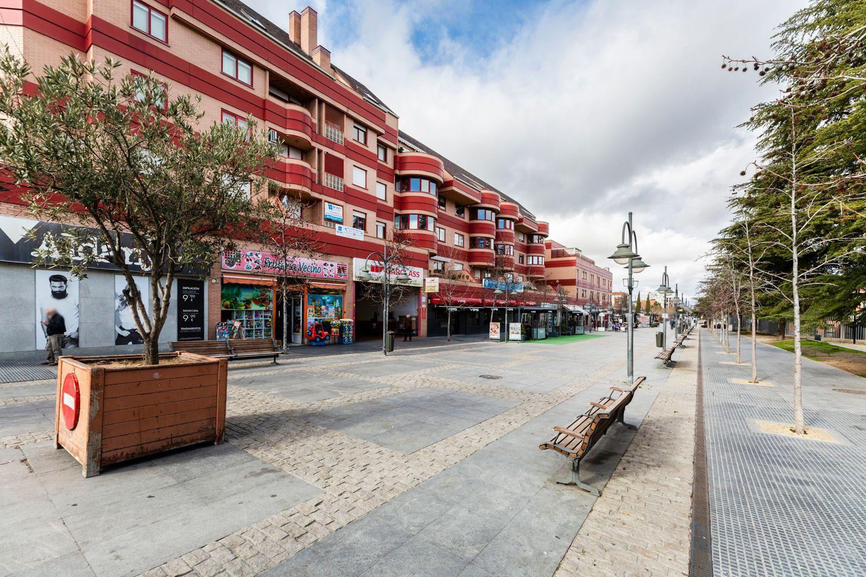Piso en alquiler en Majadahonda, Madrid 38 thumbnail