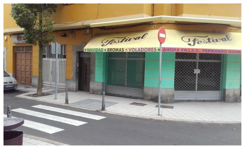 https://img3.idealista.com/blur/HOME_WI_1500/0/id.pro.es.image.master/27/43/62/219868831.jpg