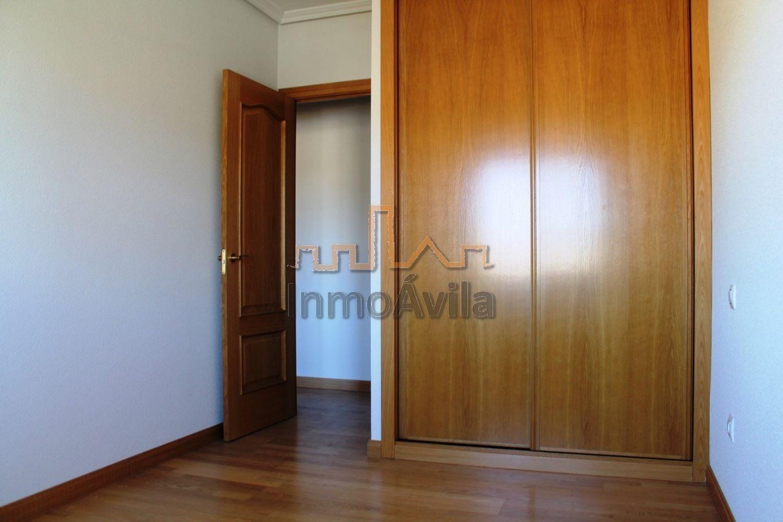 Piso en alquiler en calle Antonio Vivaldi, Universidad en Ávila - 358544916