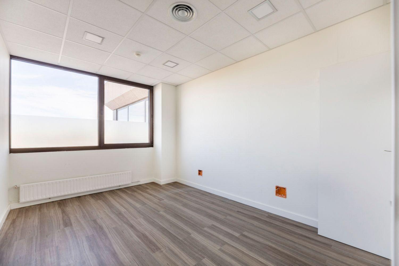 Oficina en alquiler en Las Rozas de Madrid, Madrid 3 thumbnail