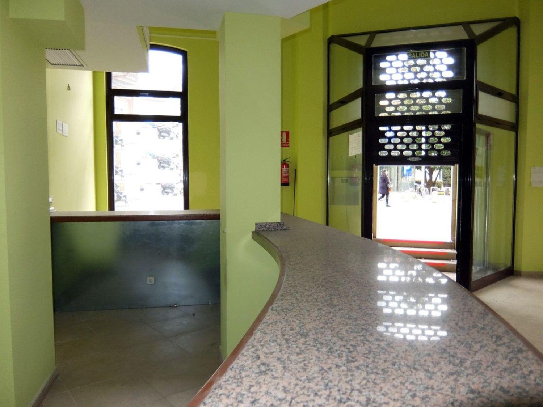 Local comercial en alquiler en Centro en Gijón - 358634743