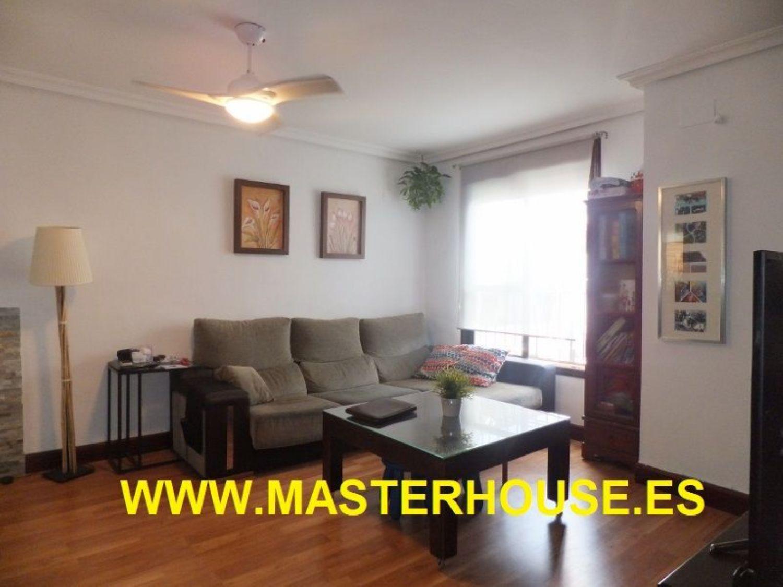 https://img3.idealista.com/blur/HOME_WI_1500/0/id.pro.es.image.master/41/34/55/226491347.jpg