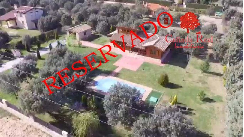 https://img3.idealista.com/blur/HOME_WI_1500/0/id.pro.es.image.master/42/6c/37/219055901.jpg