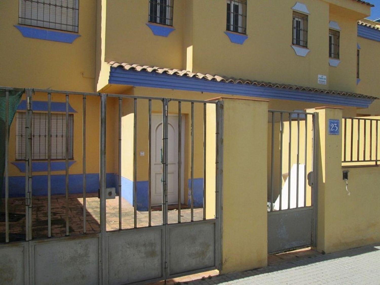 Venta de casas y pisos en Sierra de Yeguas Málaga