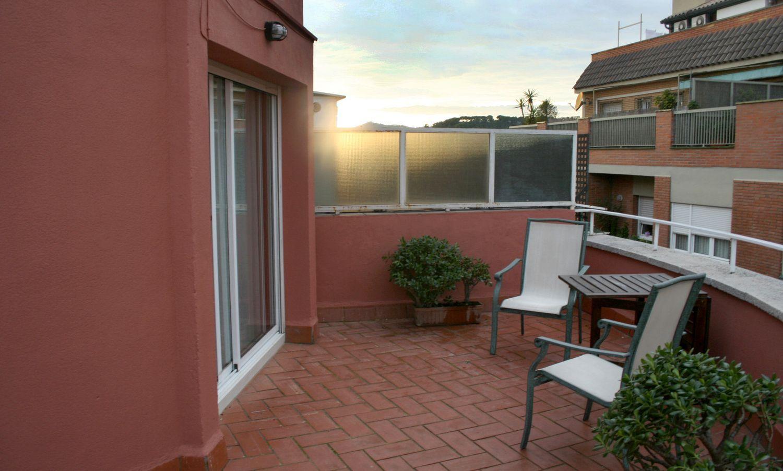 Ático en alquiler en calle Del Coll del Portell, La Salut en Barcelona - 358106019