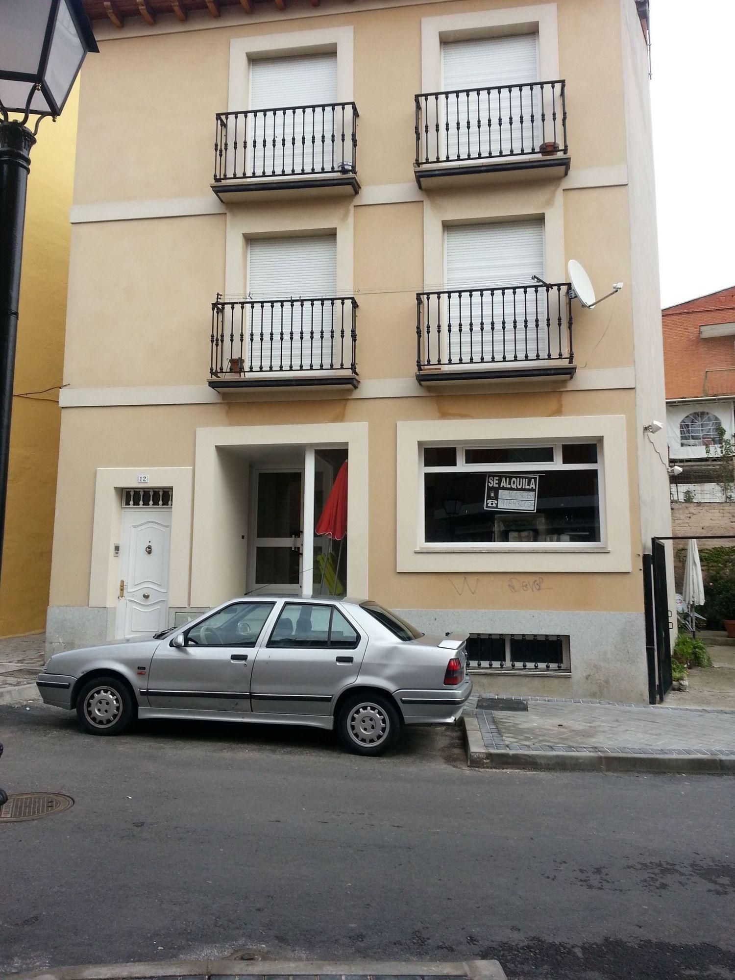 Local comercial en alquiler en calle Lucio Benito, San Agustín de Guadalix - 358089683