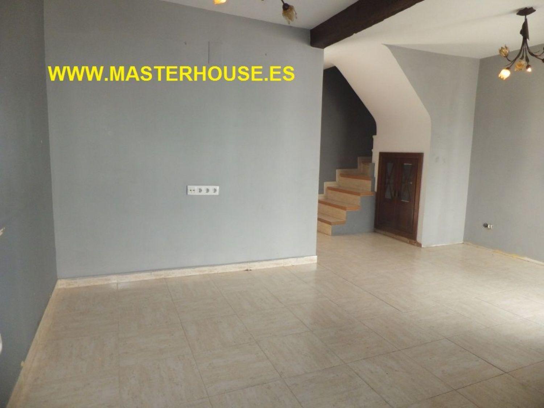 https://img3.idealista.com/blur/HOME_WI_1500/0/id.pro.es.image.master/4c/4b/60/221022907.jpg