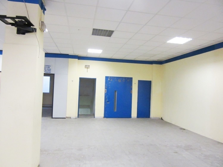 Local comercial en alquiler en Rubí - 359241931