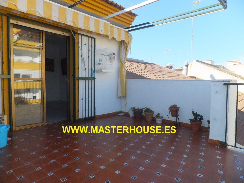 https://img3.idealista.com/blur/HOME_WI_1500/0/id.pro.es.image.master/63/43/8a/223643584.jpg