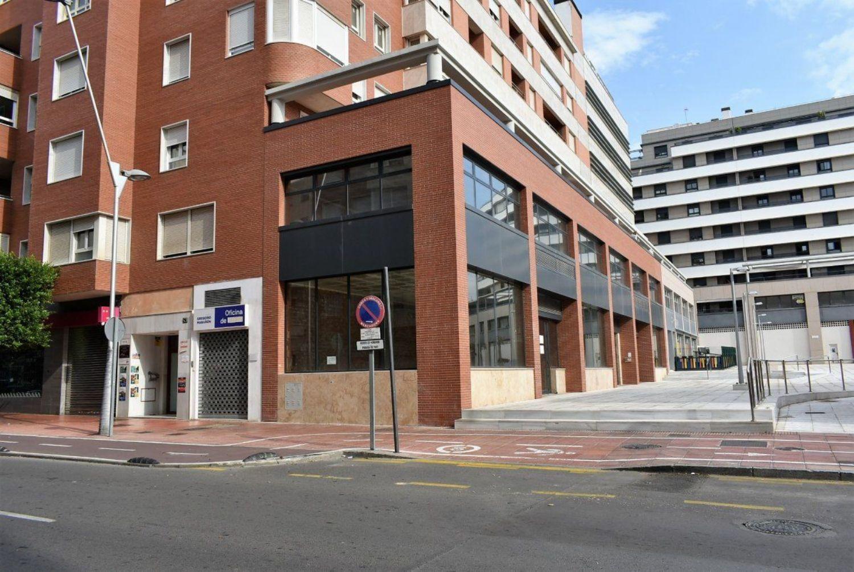 locales-comerciales en almeria · altamira---oliveros---barrio-alto 580000€