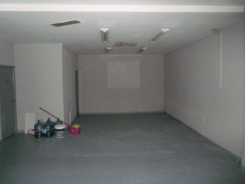 Local comercial en alquiler en Los Remedios en Sevilla - 359443767