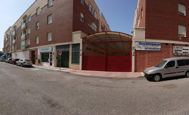 garaje en almeria · roquetas 5000€