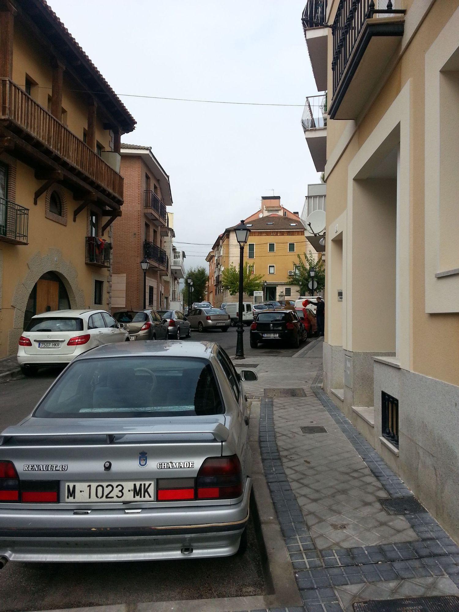 Local comercial en alquiler en calle Lucio Benito, San Agustín de Guadalix - 358089695