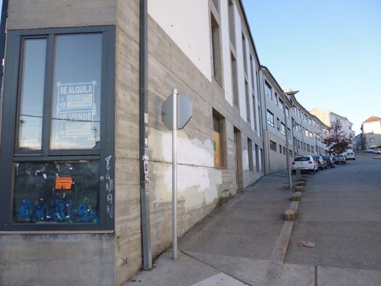 Local comercial en alquiler en calle Castron Douro, Santiago de Compostela - 362192315