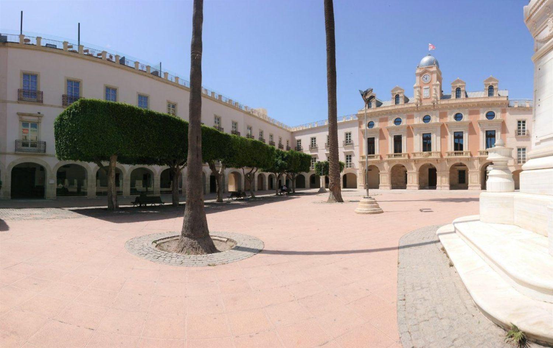 locales-comerciales en almeria · centro 3000€