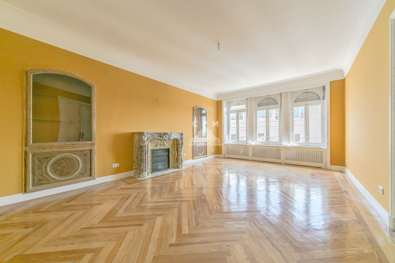 Ático en alquiler en Castellana en Madrid - 359371062
