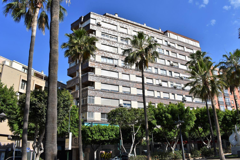 pisos en almeria · centro €
