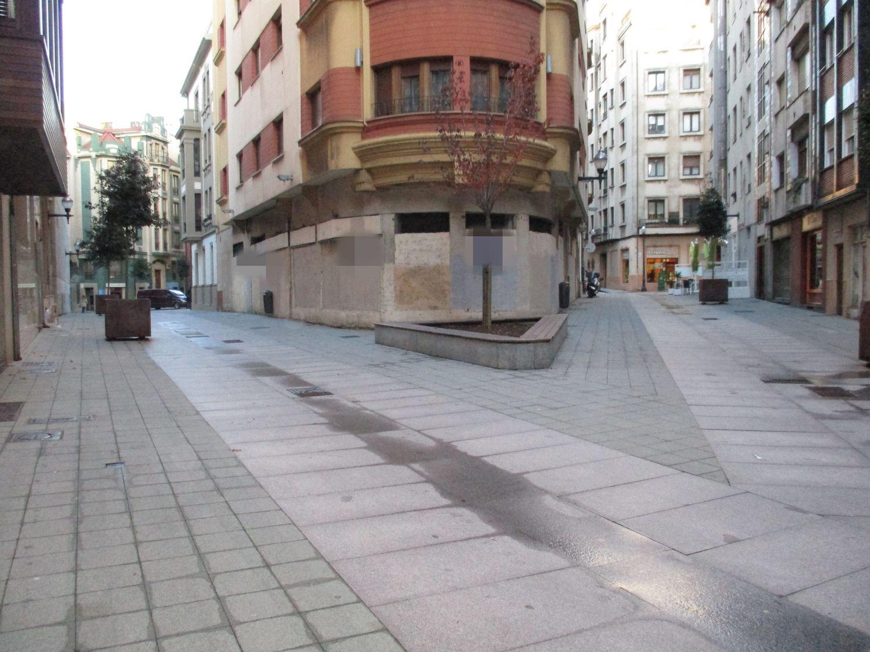 Local comercial en alquiler en Centro en Gijón - 358873565