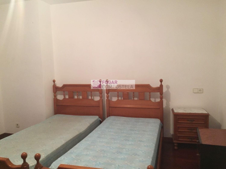 Piso en alquiler en calle Castiñeiriño, Santiago de Compostela - 358105310