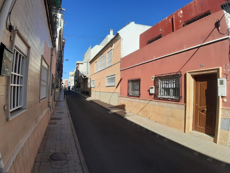 casa en almeria · barrio-san-luis---los-molinos 80000€