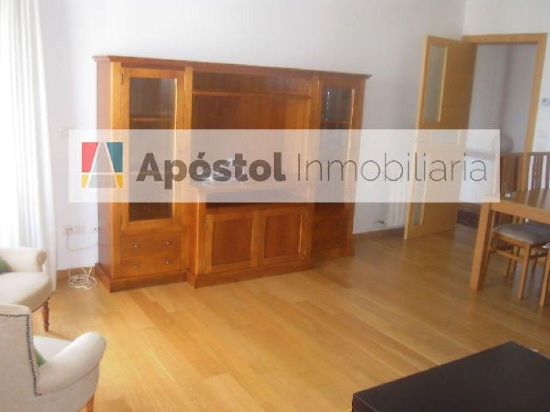 Piso en alquiler en calle Barcelona, Santiago de Compostela - 358497744
