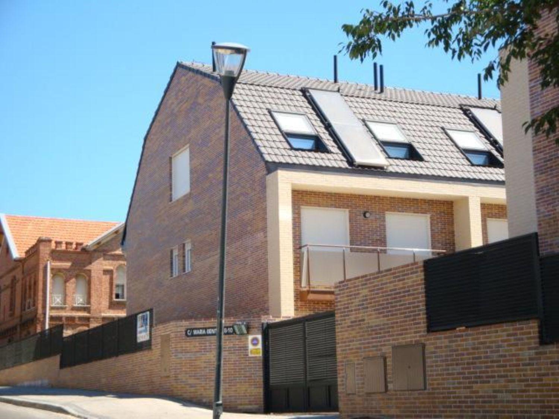 Casa adosada en alquiler en calle Marãa Benitez, Zona Norte en Pozuelo de Alarcón - 417077027