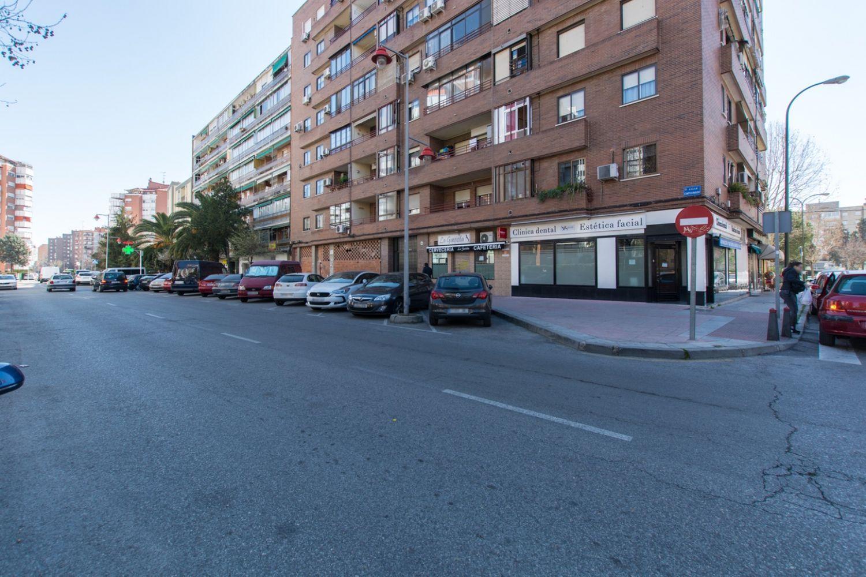 Local en venta en Móstoles, Madrid 23 thumbnail