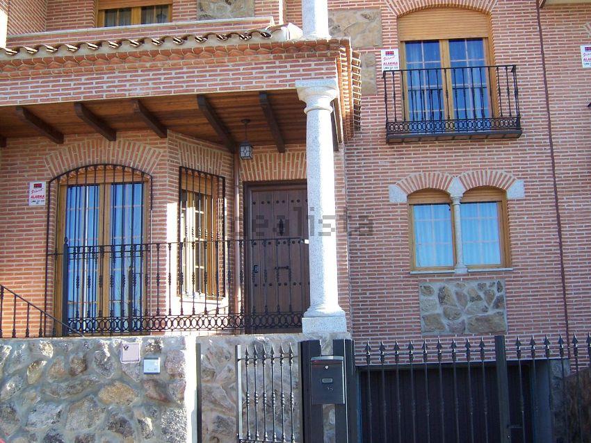 Chalet adosado en calle Iris, 5, Azucaica - Sta Mª de Benquerencia, Toledo