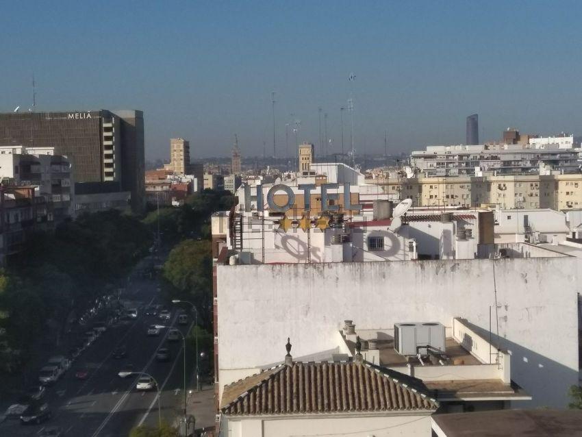 Piso en LUIS MONTOTO, Luis Montoto - Santa Justa, Sevilla