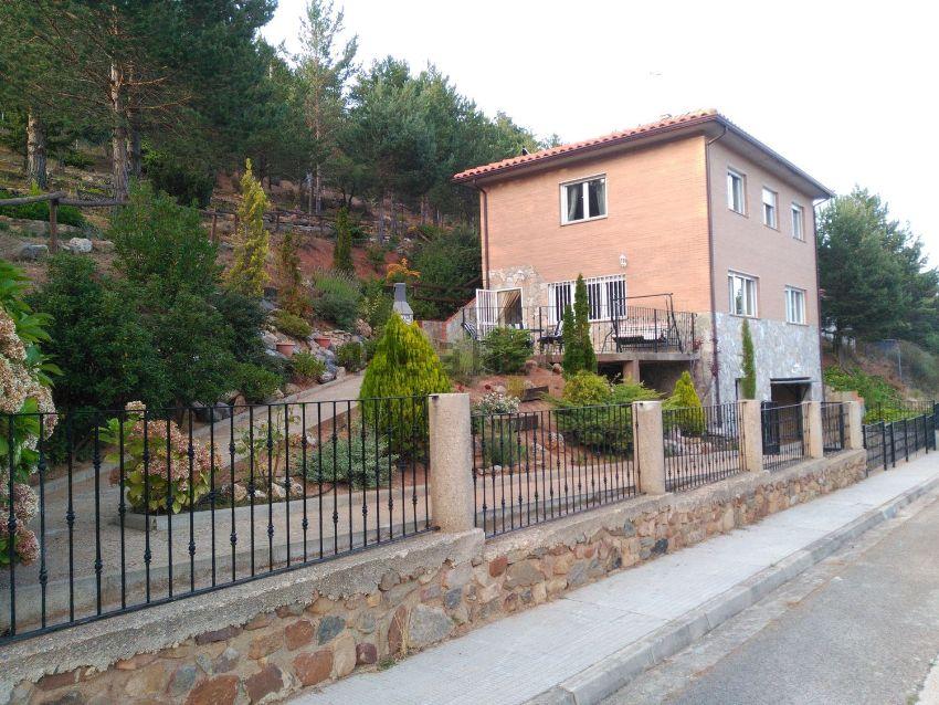 Casa o chalet independiente en avenida Moncayo, San Martin de la Virgen del Monc