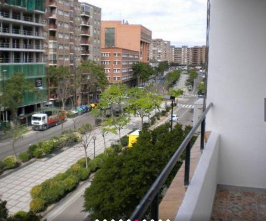 Piso en Cesareo Alierta, La Granja, Zaragoza