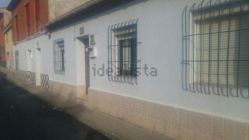 Chalet adosado en calle santiago, Cabanillas del Campo