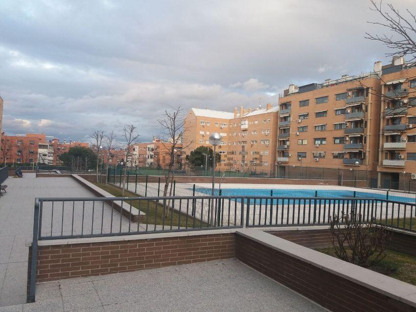 Piso en calle Las Adelfas, 2, Valderas - Los Castillos, Alcorcón