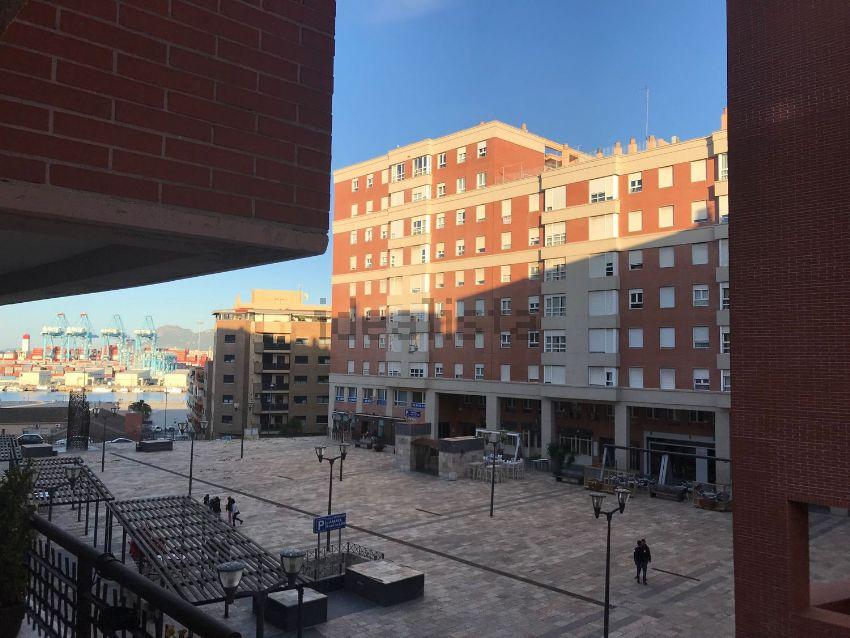 Piso en avenida Capitán Ontañón, 1, La Reconquista - El Ensanche, Algeciras
