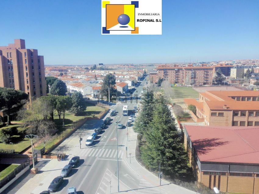 Piso en calle Hilario Goyenechea, San José - Parador - Zurguen, Salamanca