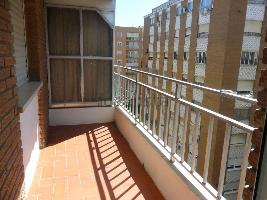 Piso en calle Agustina de Aragón, Santa Marina - La Paz, Badajoz
