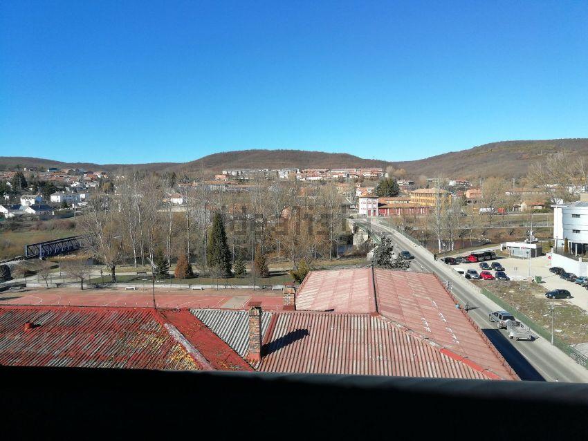 Ático en avenida Castilla y León, 29, Velilla del Rio Carrion