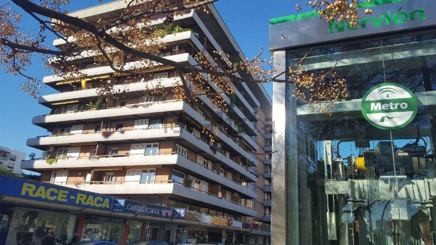 Piso en avenida Eduardo Dato, 22, San Bernardo-Buhaira-Huerta del Rey, Sevilla