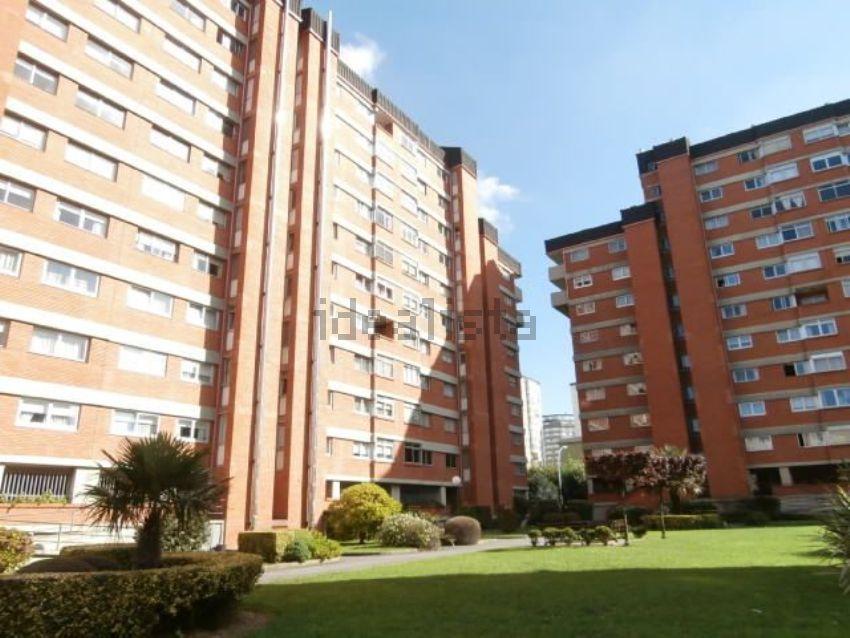 Piso en avenida Salvador de Madariaga, 17, Someso - Matogrande, A Coruña