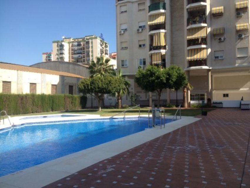 Piso en calle Juan Martínez Montañés, La Luz - El Torcal, Málaga