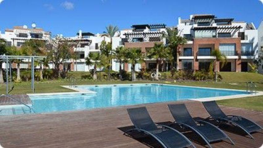 Dúplex en Urb. Palm Gardens, La Concha-Resina Golf, Estepona