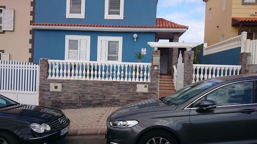 Chalet adosado en calle Salvador Dalí, 6, Playa del Hombre - Taliarte - Salineta