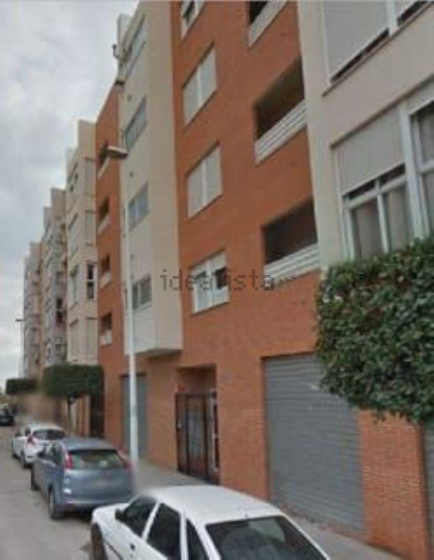 Piso en calle de Ricardo Alós Bailach, Moncada