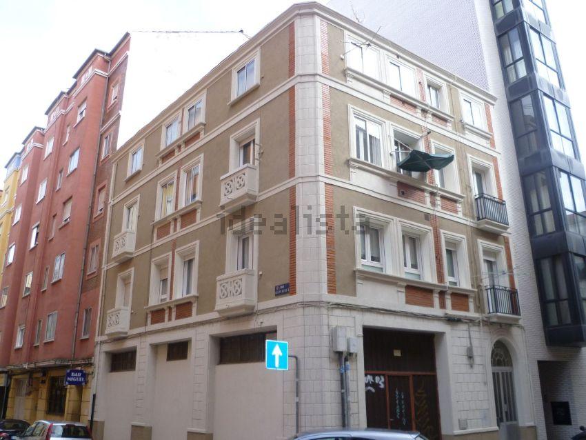 Piso en calle Trespaderne, San Pedro y San Felices, Burgos