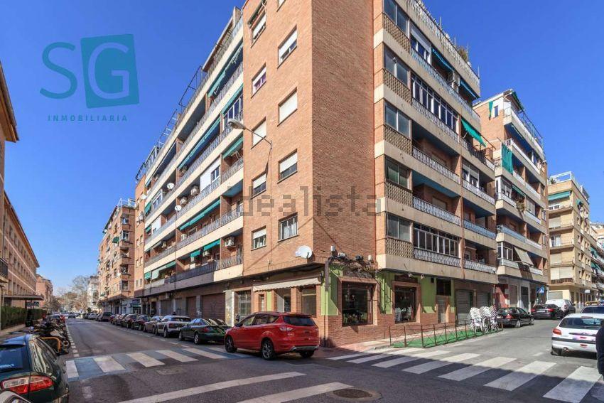 Piso en calle Santo Tomás de Villanueva, Ronda - Arabial, Granada