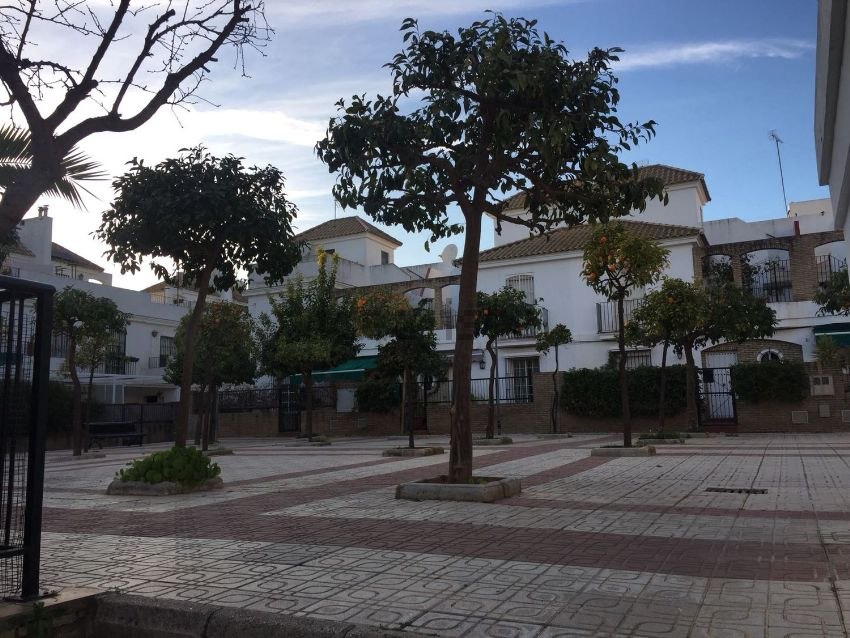 Chalet adosado en pasaje del Aljarafe, Centro - Doña Mercedes, Dos Hermanas