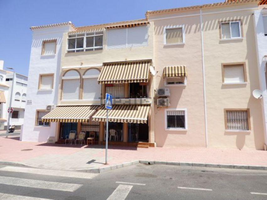 Piso en calle Mar Menor, Playa de los Naúfragos - Punta Prima, Torrevieja